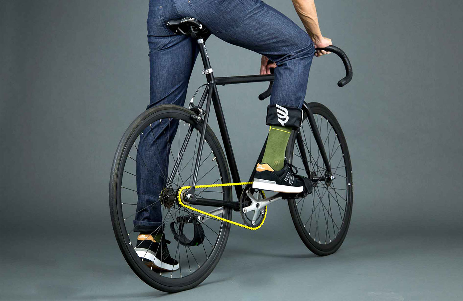 Tailored to the needs of cyclists: weatherproof jeans from Van Denride
