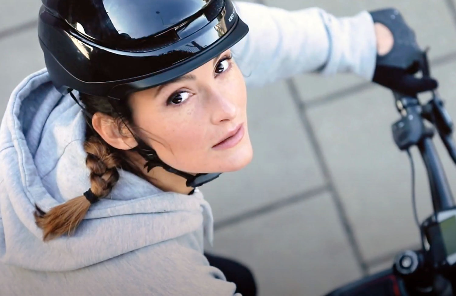 Bike helmet for urban use: KED Mitro UE-1 with MIPS, BOA and LED light