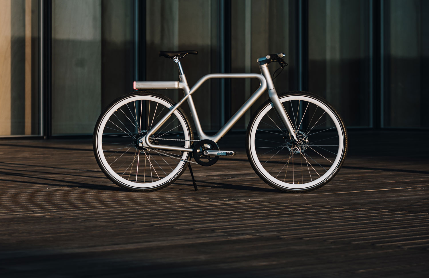 Now available: The lightweight smart bike from Angell