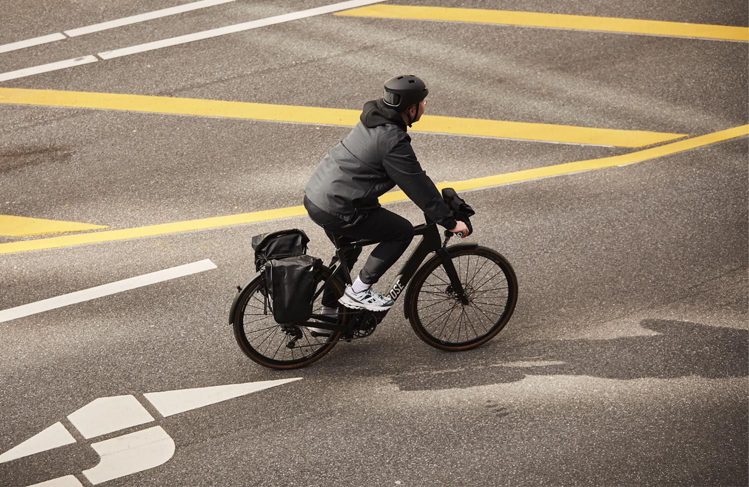 Lightweight commuter bike with powerful drive system: Rose Backroad+ Urban